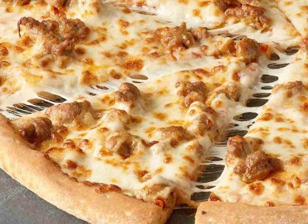 Love Pizzas? Here Are The Deals that You Wouldn't Want to Miss
