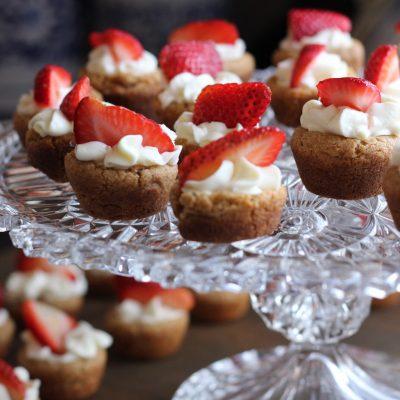 Edible Arrangements: How to Display Cupcakes